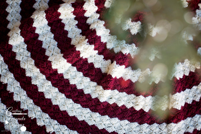 CROCHET PATTERN Diamond Christmas Tree Skirt Red and White   Etsy