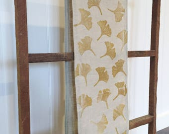 Ginkgo Print Natural Table Runner. Farmhouse Style Linen Table Cloth.  Boho Kitchen. Spring Table Decor.  Hand Printed Table Linens.