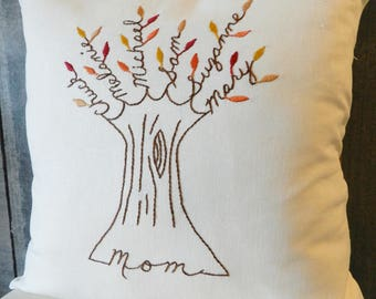 Mom Pillow Cover. Mothers Day Gift for Grandma or Mother-in-law. Personalized Family Tree. Grandchildren. Hand Embroidered.