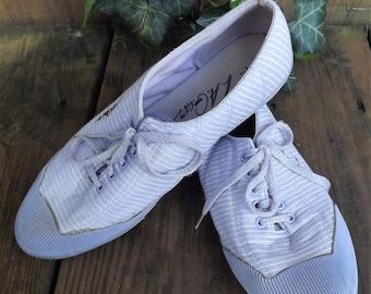 Vintage 1980s Tennis Shoes, La Gear Shoes, Purple Tennis Shoe, Striped Sneakers, Lace Up, Striped Tennis Shoe, US Size 7 1/2 7.5 Women Shoes
