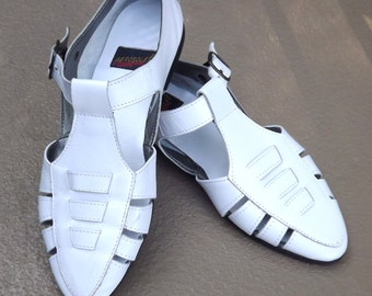 White Leather Shoes, Closed Toe Sandal, 1990s Flat Shoe, Pointed Toe Shoe, Womens Aerosoles Shoes, Woven Strap Shoe, US Size 8 M runs narrow