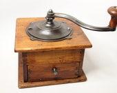 Antique Coffee Grinder - Cast Iron Coffee Grind, Coffee Mill - Kitchen Antique - Kitchen Primitive - Coffee - Antique Grinder - Kitchen Tool