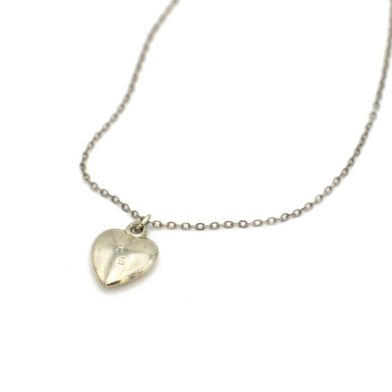 Vintage 14k White Gold Children's Heart Necklace R