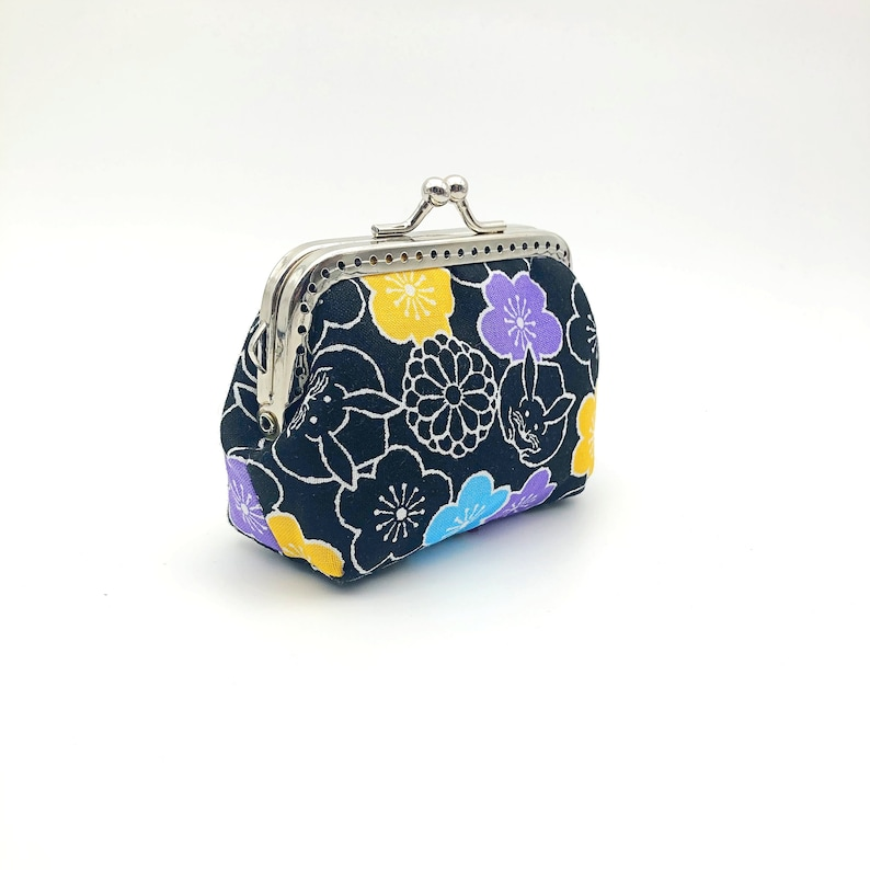 Kisslock Coin Purse  Clasp Coin Purse  Change Wallet Japan Bunny Floral in Black