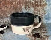Bee mug - black
