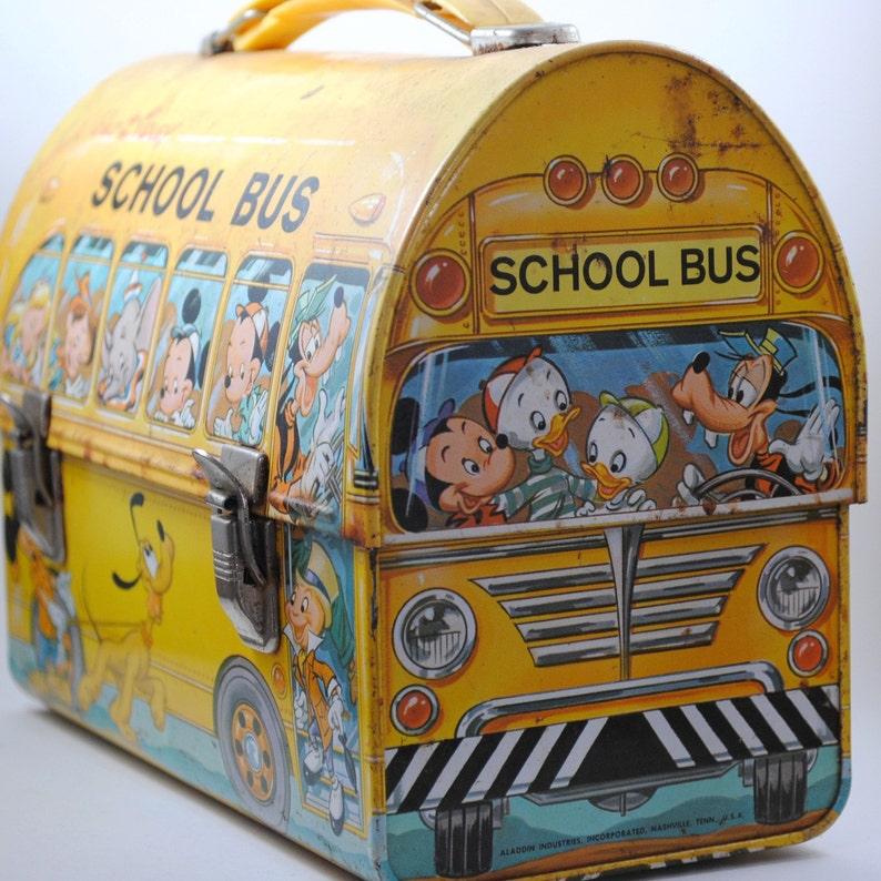 The Easiest Vintage Walt Disney School Bus Lunch Box {Tiburon Es Rojos}
