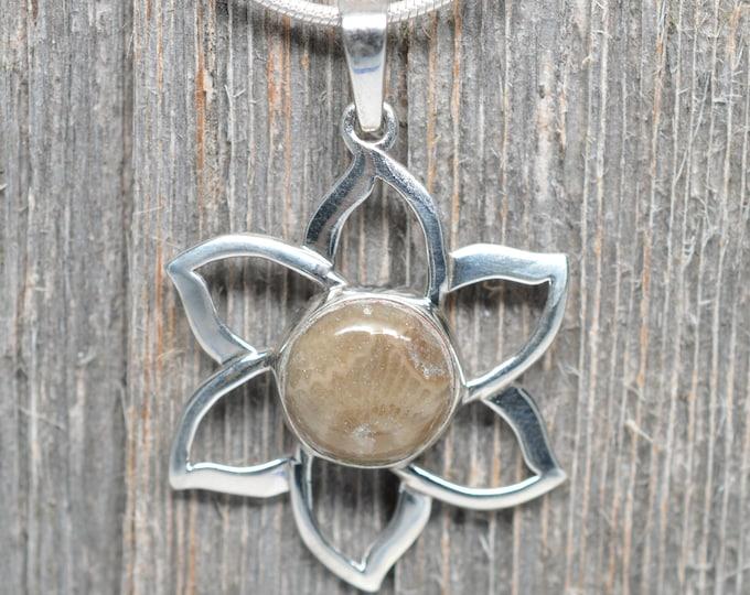 Petoskey Stone Pendant - Sterling Silver - 12mm Stone - Flower