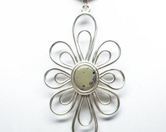 Frankfort Green Pendant - Sterling Silver - 11mm x 9mm Stone - Flower