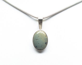 Sterling Silver Frankfort Green 14mm x 10mm Oval Pendant