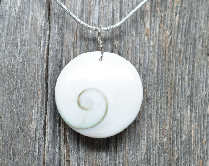 Shiva Shell Pendant - Circle