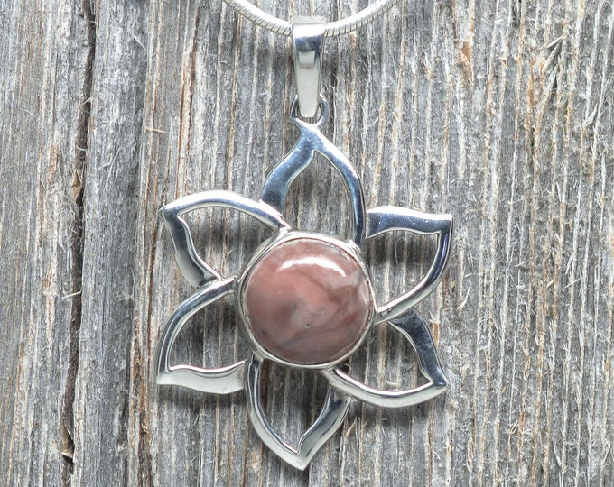 Kona Dolomite Pendant - Sterling Silver - 12mm Stone - Flower