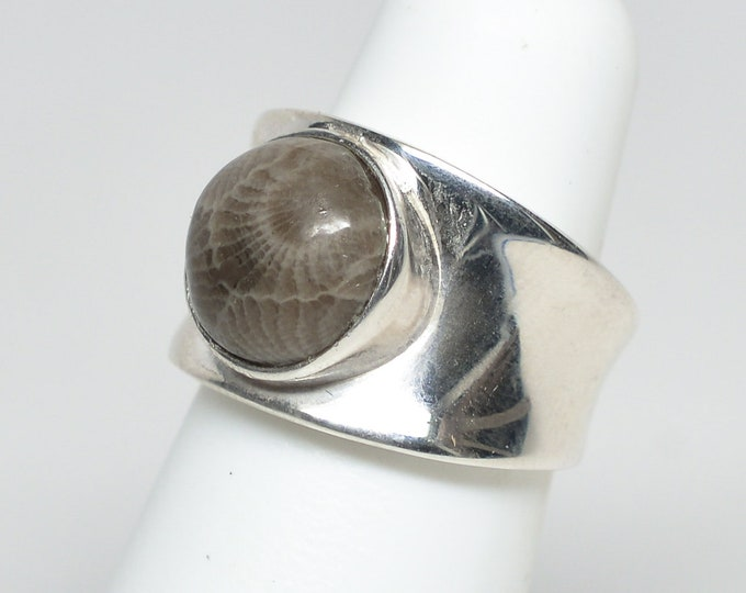 11mm Petoskey Stone Round Sterling Silver Ring - Size 6