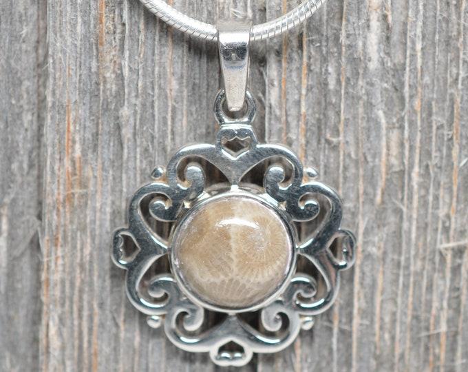 Petoskey Stone Pendant - Sterling Silver - 10mm Stone - Flower