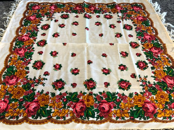 Vintage Pavlovo Posad Russian Floral Wool Off Whit