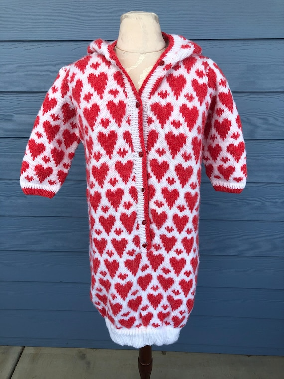 Vintage Norwegian Red & White Hearts Hooded Acryli