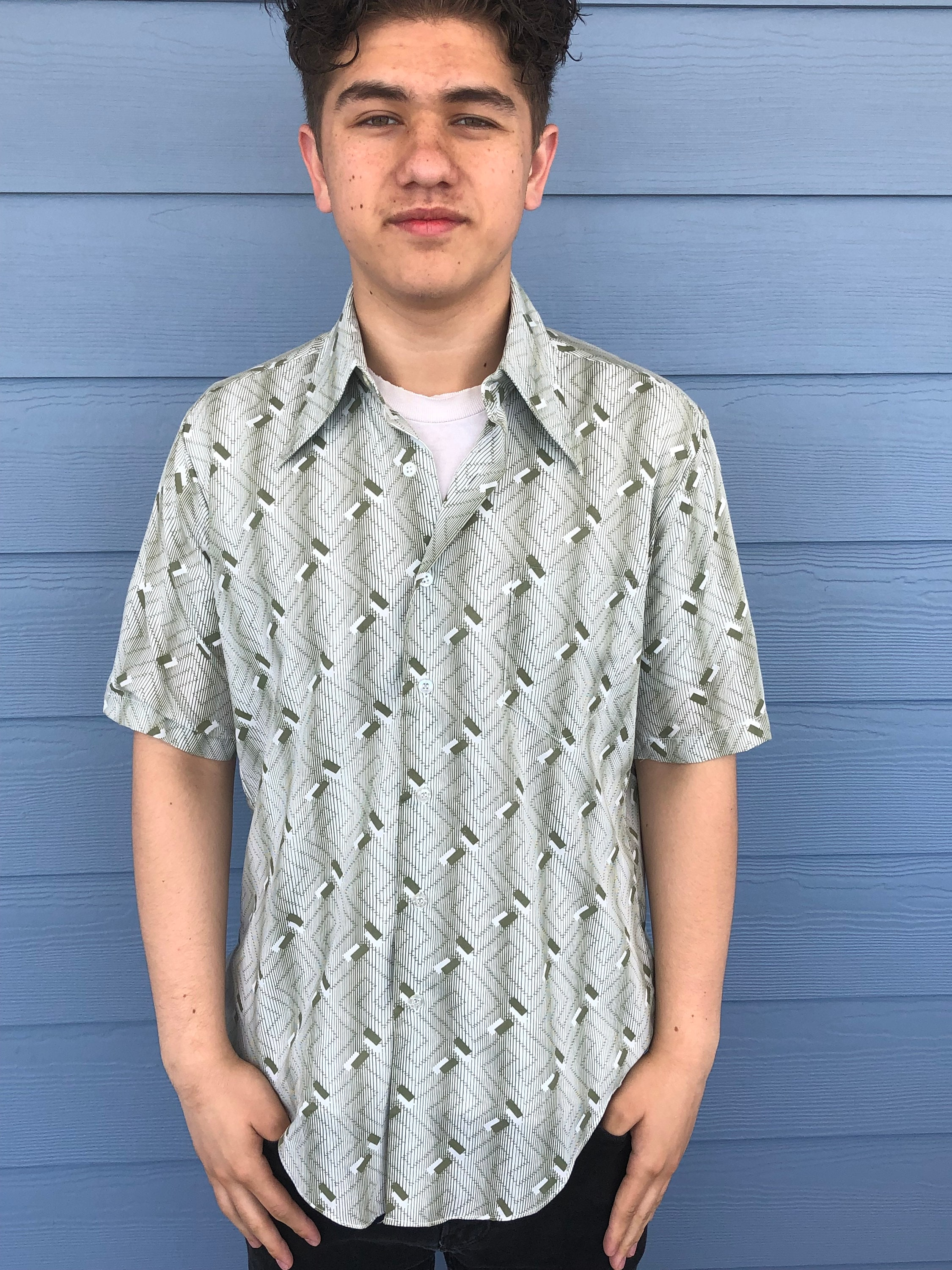 1970s Men's Shirt Styles – Vintage 70s Shirts for Guys Vintage 1970s K Mart Cotton Poly Mens Green Print Short Sleeve Button Front Shirt Size M Made in Korea - Vintage Mens Short Sleeve Shirt $20.00 AT vintagedancer.com
