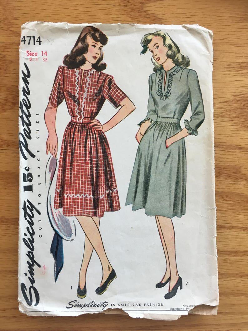 44365d535de 1940S Simplicity Sewing Pattern 4714 Misses V Neck Ruffle Edge