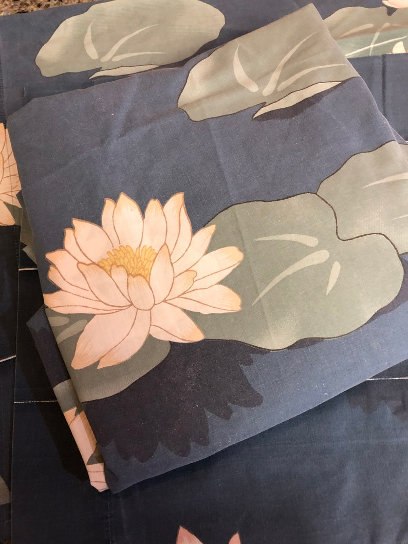 Wamsutta cal king bedding RARE Vintage Wamsutta Ultracale Blue Lotus Flower Cal King Fitted Sheet and Two King Size Pillowcases lotus bed