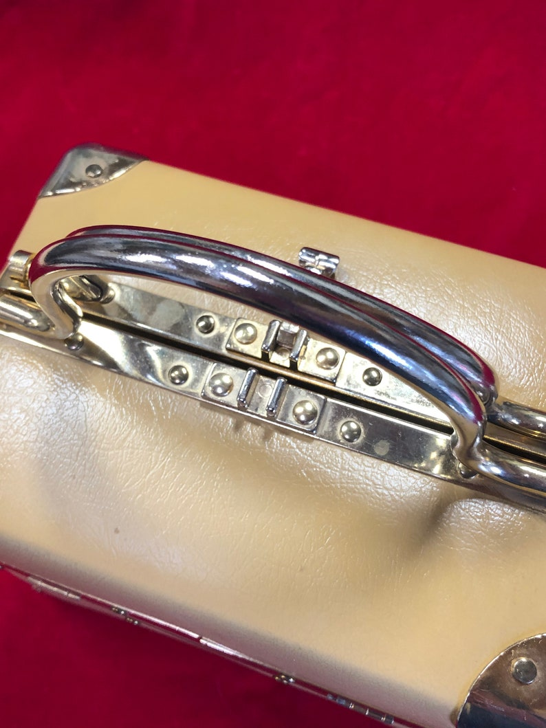 Vintage 1950/'s LISETTE Tan Vinyl /& Gold Lunch Box Style Handbag Purse- vintage handbag Lisette handbag box handbag train case handbag