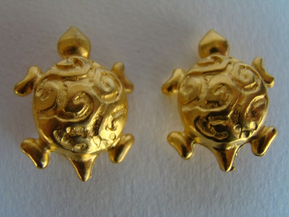 Edouard Rambaud Paris turtle earrings