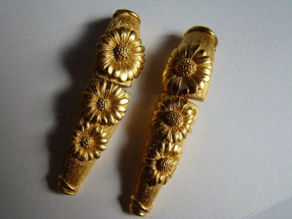 Escada daisy  earrings