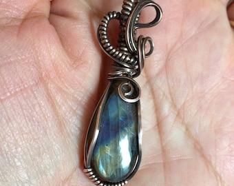 Labradorite Necklace,Blue Green flashing Labradorite Necklace,Wire Wrapped Labradorite in Antiqued Copper,Labradorite Necklace
