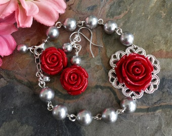 Red Rose Flower Gray Pearl Necklace,Rose Gray Pearl Earrings,Botanical Flower Grey Bracelet,Bridal/Bridesmaid Red Grey /Gray Pearl Necklace