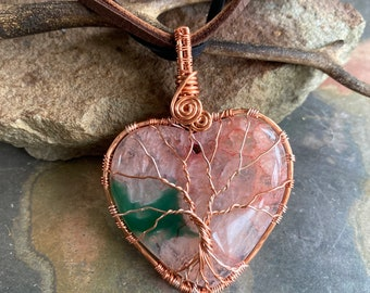 Druzy Quartz Necklace, Wire Wrapped Pink Rose color  Quartz Necklace in Copper,  Aura Quartz Healing Jewelry, Gifts for MOM,