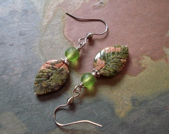Unakite drop Earrings,Pretty Unakite Carved Leaf Green Glass Silver Earrings, Autumn earrings, Unakite dangling earrings, Unakite jewelry,