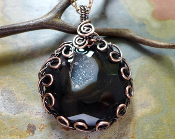 Druzy Agate Necklace,Wire Wrapped Druzy Agate Bezel Pendant in Copper, Statement Necklace, Black Druzy Agate Necklace, Druzy Jewelry
