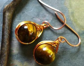 Tiger Eye Earrings, Wire Wrapped Earrings, Wire Wrapped Tiger Eye Herringbone Earrings in Copper, Danging Earrings in Copper,
