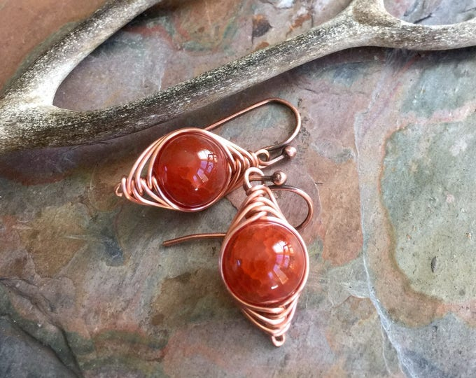 Wire Wrapped Fire Agate Earrings, Orange Fire Agate Gemstone Earrings, Agate Herringbone Earrings in Copper, Fire Agate Copper Earrings,