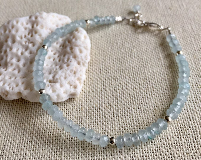 Aquamarine Bracelet, Aquamarine Bracelet in Sterling Silver,March Birthstone Bracelet, Adjustable Raw Light Blue Bracelet,Aquamarine Jewelry