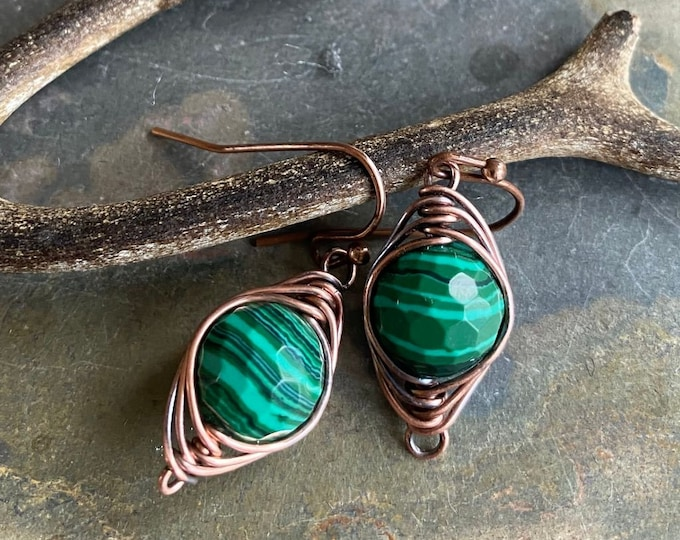 Wire Wrapped Malachite Earrings in Antiqued Copper, Green Malachite Earrings,Malachite dangle Earrings,Malachite Copper earrings