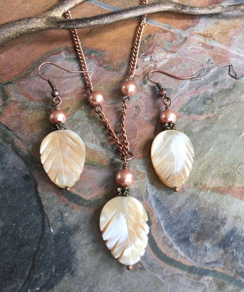 c5c96bc80b28d Mother of Pearl Necklace and Earring SET in Copper, Mother of Pearl Carved  Leaf Necklace, Earthy Mother of Pearl Stone Jewelry