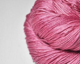 Hard (raspberry) candy - Merino / Silk Fingering Yarn Superwash - Hand Dyed Yarn - handgefärbte Wolle - DyeForYarn