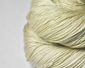 Molded kefir OOAK - Merino / Silk Fingering Yarn Superwash - Hand Dyed Yarn - handgefärbte Wolle - DyeForYarn