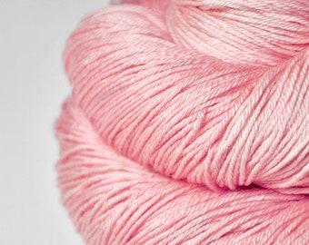 Withering pink cherry blossom - Merino / Silk Fingering Yarn Superwash - Hand Dyed Yarn - handgefärbte Wolle - DyeForYarn