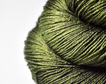 I know what happened to the olive - Merino / Silk Fingering Yarn Superwash - Hand Dyed Yarn - handgefärbte Wolle - DyeForYarn