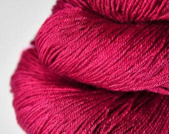 Sunken cocktail cherry OOAK - Merino / Silk Fingering Yarn Superwash - Hand Dyed Yarn - handgefärbte Wolle - DyeForYarn