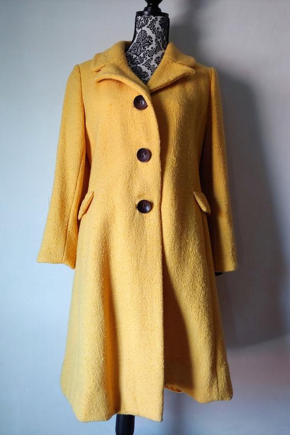 1960s Vintage Yellow Boucle Wool Princess Coat - image 2