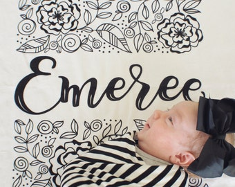 Swaddle - Personalized  Rectangle blooms - Birth announcement  - Organic cotton & fleece swaddle