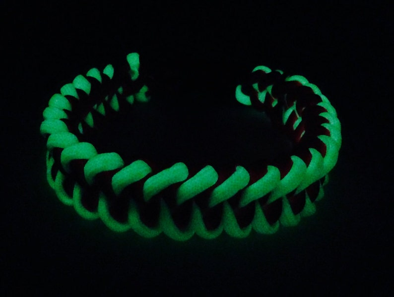 Glow-in-the Dark Dog Collar-Custom Made with Paracord-Size Medium