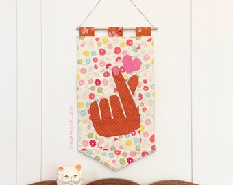 Mini COMBO: Finger Heart, Heart Trio & Banner pdf