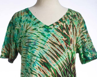 XL Shibori V-Neck Women's Tie Dye Shibori Stella Green Black T-Shirt