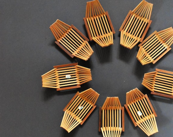 bamboo soap sponge dish / small basket / wood