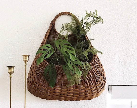 farnhouse style woven wicker wall hanging basket planter | boho home decor