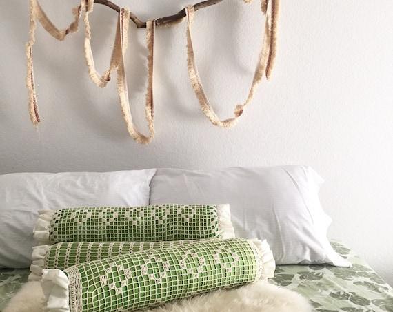 vintage green crochet retro decorative throw pillow / 1 pillow