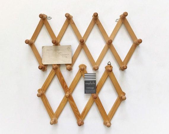 set of 2 regular size wood accordion peg wall hanging rack / hat display storage organizer