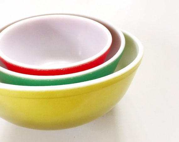 large vintage set of pyrex glass mixing bowls / primary colored nesting bowls / set of 3